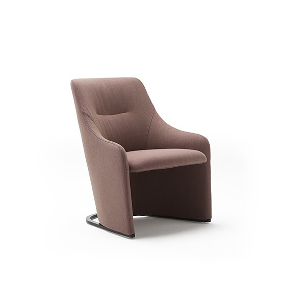 armchair-nagi-low